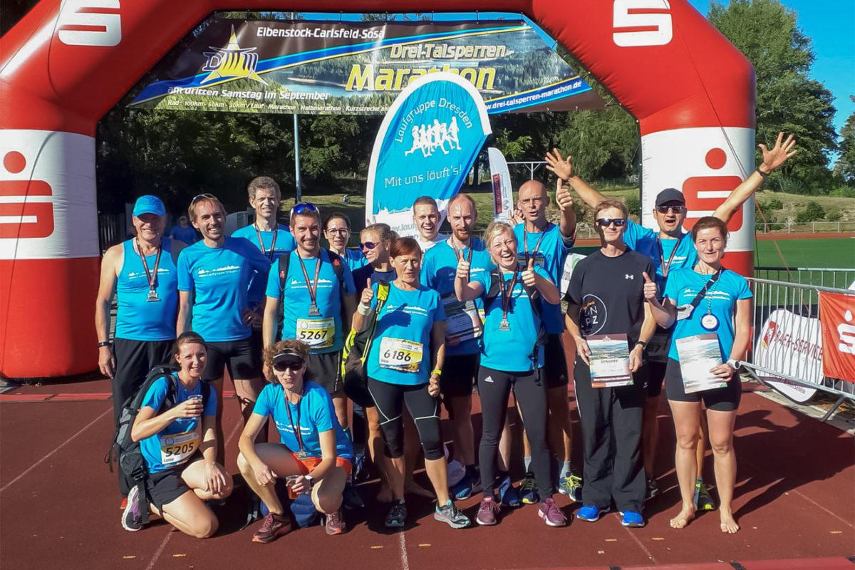 Die Laufgruppe Dresden ist zur Vereinsausfahrt beim Drei-Talsperren-Marathon in Eibenstock.